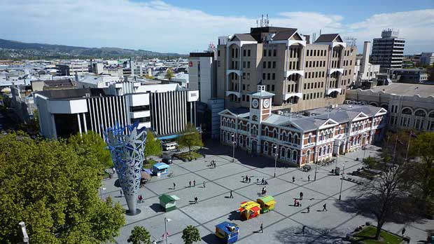 Andrew Cooper, Cathedral Square Christchurch NZ, CC BY 3.0