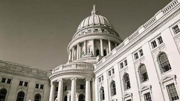 """""""Wisconsin Capital"""" by okandasan licensed under CC BY 2.0"""