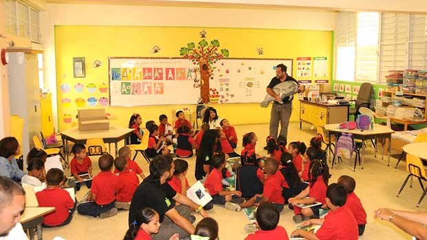 """ Education efforts at Las Mareas Elementary School"" by U.S. Fish and Wildlife Service Southeast Region licensed under CC BY 2.0"