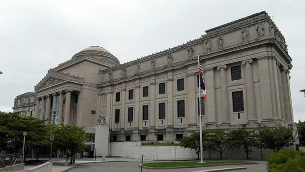 """""""The Brooklyn Museum of Art"""" by Reading Tom licensed under CC BY 2.0"""