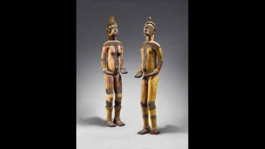 The pair of sacred statues,