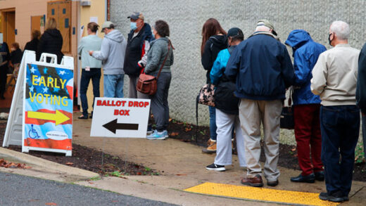 voters wait in line