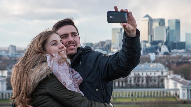 """Greenwich Selfies - 52/365"" by Barney Moss licensed under CC BY 2.0"