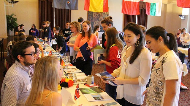 """""""Study Abroad Fair"""" by roanokecollege licensed under CC BY 2.0"""