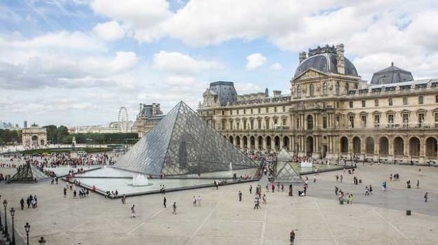"""Louvre"" by Shadowgate licensed under CC BY 2.0"